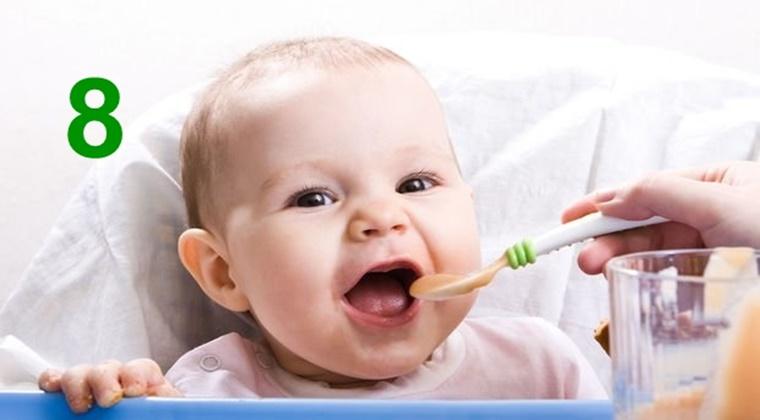 8 Aylık Bebek Nasıl Beslenmeli?