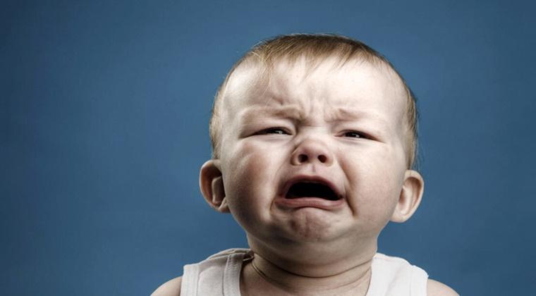 Ağlayan Bebeğin Sorunu Ne Olabilir?