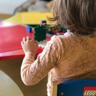 Kinderbetreuung mit Spielmaterialien