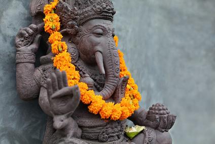 Ganesh mit Blumenschmuck Fotalia #152069032 | Urheber: Tropical studio