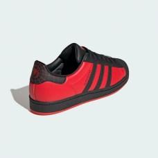 adidas-x-spider-man-miles-morales-superstar-collector-5