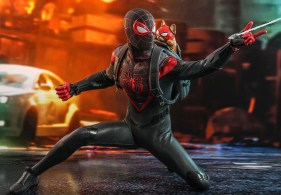 marvels-spider-man-miles-morales-hot-toys-figurine-1
