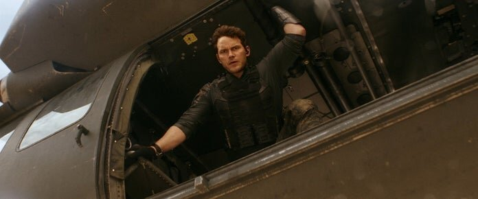 new photos shared for chris pratts sci fi action movie the tomorrow war5