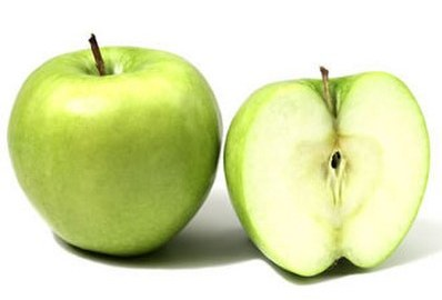 kako-rukama-raspoloviti-jabuku