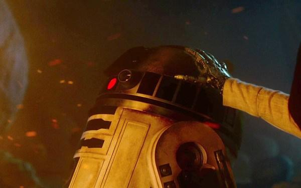 Abrams spiega il ruolo di R2-D2 in Star Wars: Il risveglio della Forza
