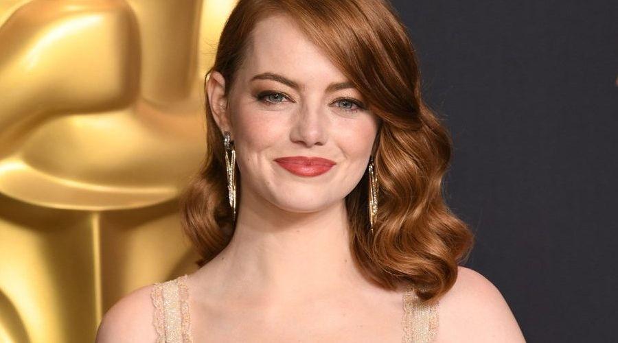 La reazione di Emma Stone al piccolo incidente avvenuto agli Oscar