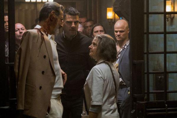 Jodie Foster è un'inquietante infermiera nel crime fantascientifico Hotel Artemis