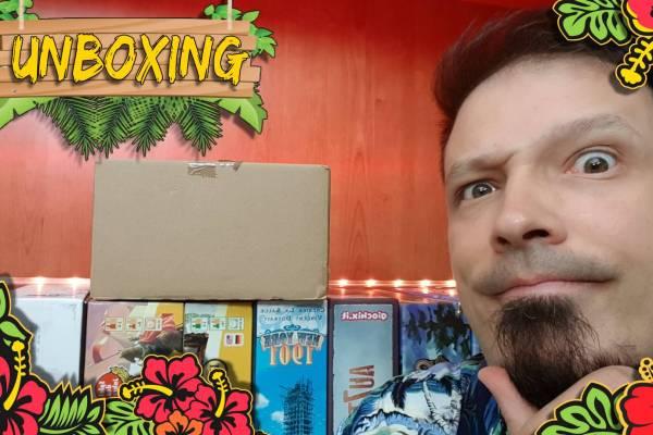 Unboxing di una strana e piccola scatola