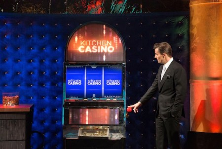 Bill_Rancic_and_Kitchen_Casino_Slot_Machine