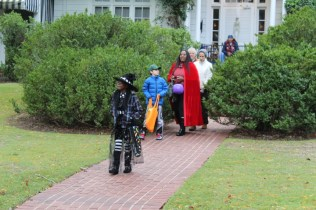 Halloween At Glenwood Terrace 2019 (32)