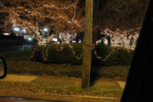Quintard Avenue Christmas Lights 2019 (11)