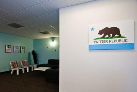 Twitter Bureau 1