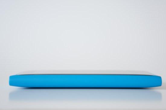 À droite: rien! - Arête droite du Nokia Lumia 800