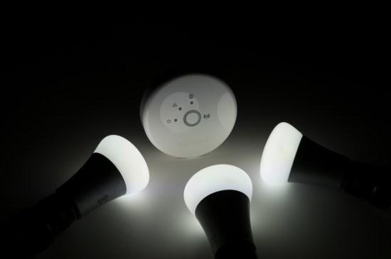 Les ampoules et le pont du système hue.