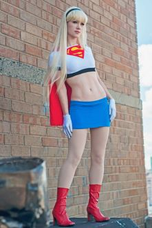 supergirl-cosplay-1
