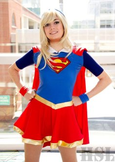 supergirl-cosplay-4