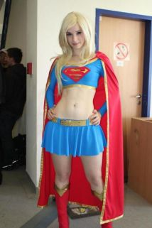 supergirl-cosplay-11