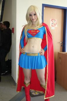 supergirl-cosplay-11
