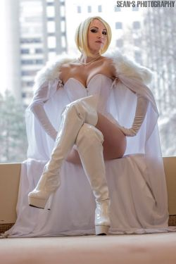 Emma Frost Cosplay 43