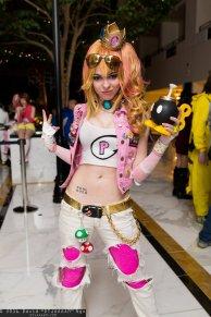 Princess Peach Cosplay 14