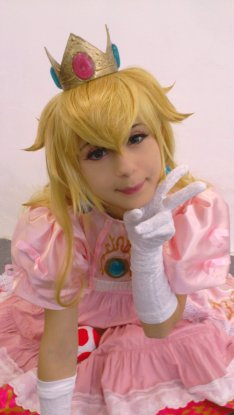 Princess Peach Cosplay 33
