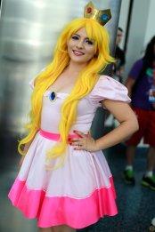 Princess Peach Cosplay 38