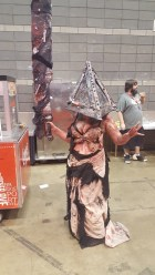 C2E2 2017 Cosplay - Pyramid Head 6