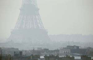 paris-in-the-smog