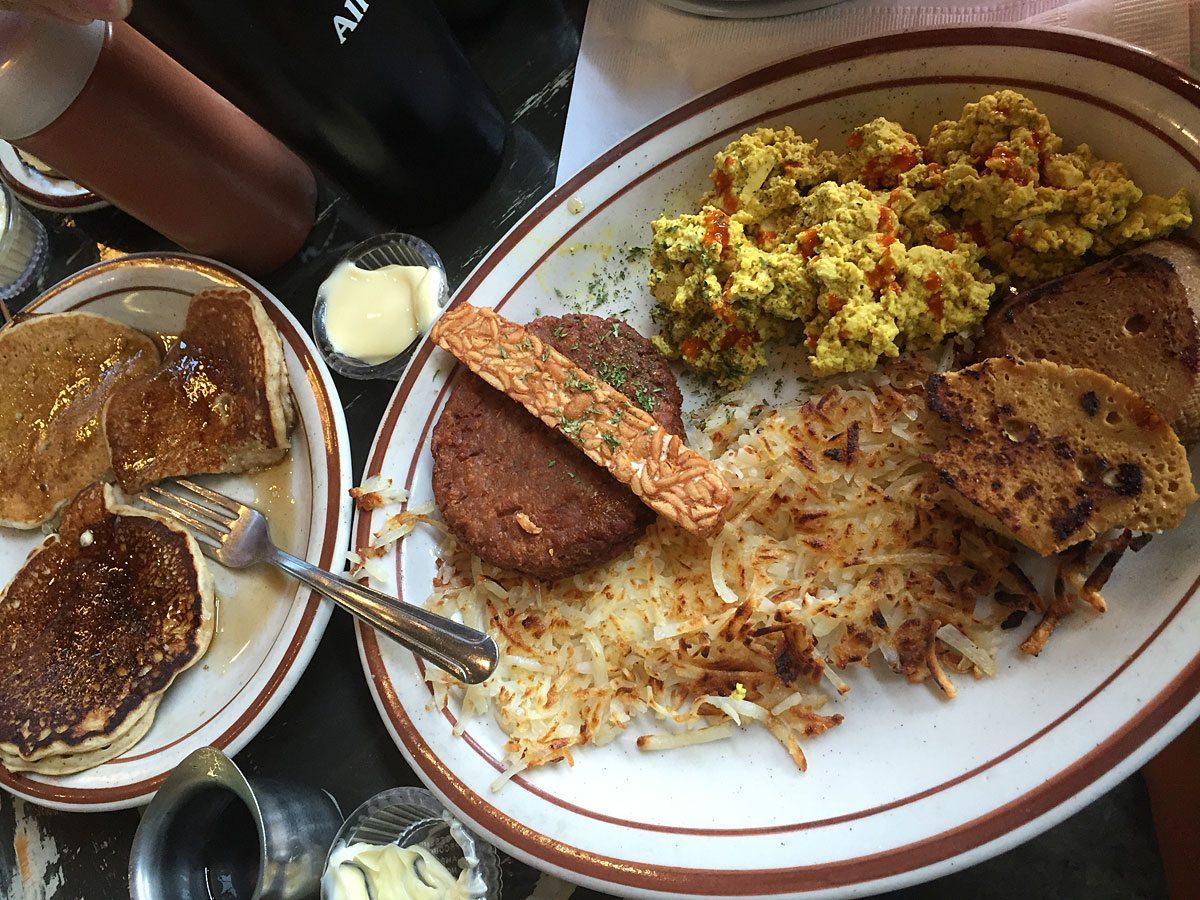 LostLake-breakfast