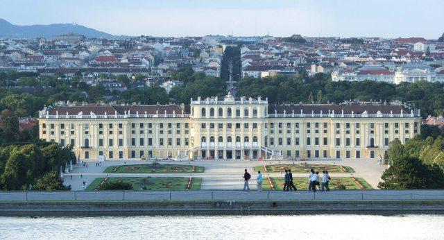 Schloss Schoenbrunn: Image by Xell