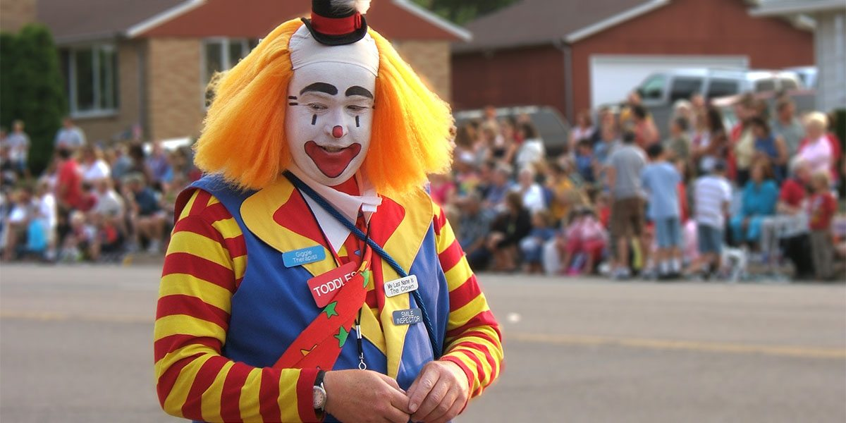 """Haha, check out the funny clown. No, you go ahead, daddy will be way over here."" (Image by Micky Zlimen/CC BY 2.0)"