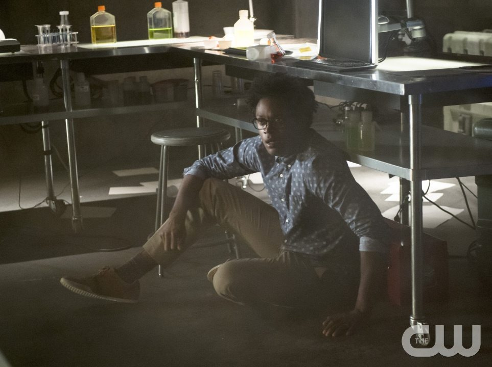 "Arrow -- ""Restoration"" -- Image AR403A_0138b.jpg -- Pictured: Echo Kellum as Curtis Holt -- Photo: Diyah Pera /The CW -- �© 2015 The CW Network, LLC. All Rights Reserved."