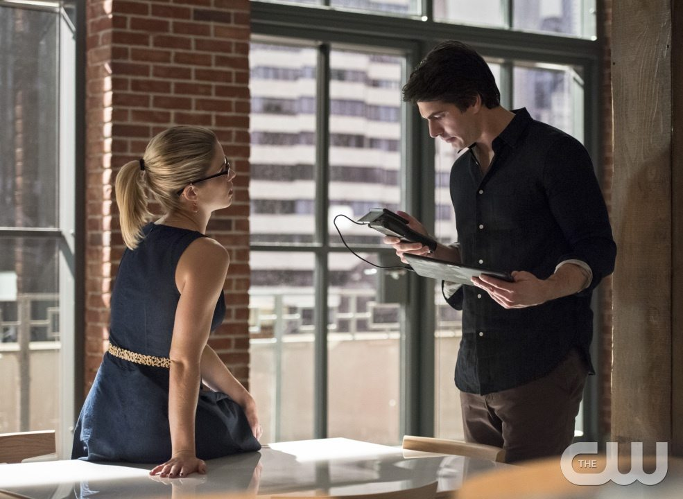 "Arrow -- ""Brotherhood"" -- Image AR407A_0142b.jpg -- Pictured (L-R): Emily Bett Rickards as Felicity Smoak and Brandon Routh as Ray Palmer -- Photo: Dean Buscher/The CW -- �© 2015 The CW Network, LLC. All Rights Reserved."