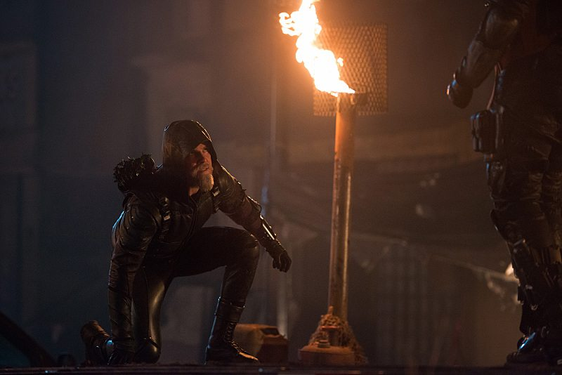 "DC's Legends of Tomorrow -- ""Star City 2046"" -- Image LGN106b_0270.jpg -- Pictured: Steven Amell as Oliver Queen/The Green Arrow -- Photo: Diyah Pera/The CW -- �© 2016 The CW Network, LLC. All Rights Reserved"