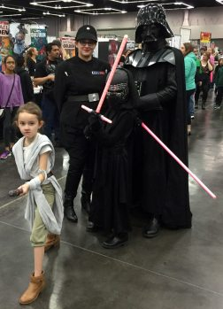 Star Wars family cosplay.