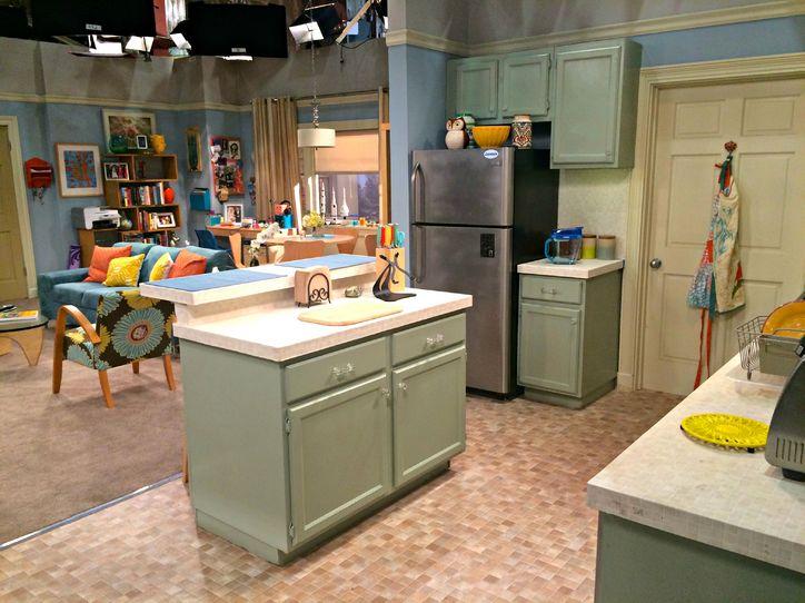 Bernadette's apartment set, featuring a retro dinette-counter.