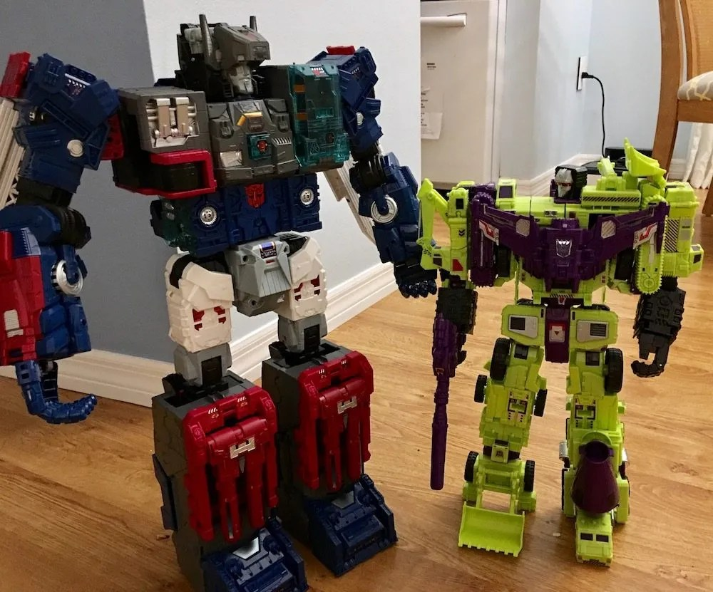 Fortress Maximus and Devastator
