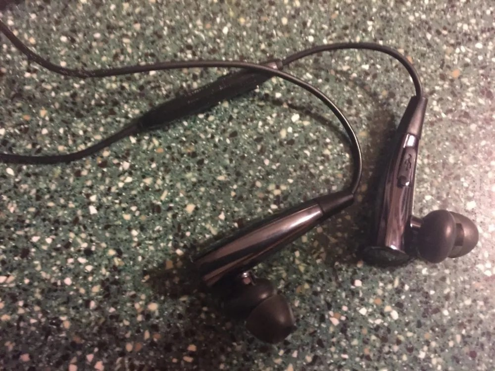 Inateck headphone Close-up