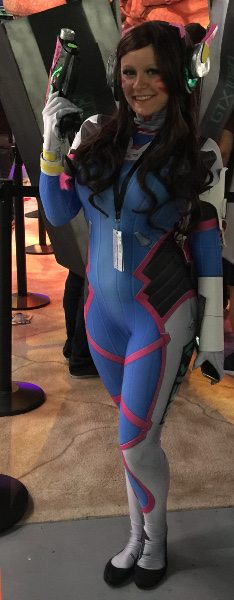 A D.VA dressed up; Overwatch cosplay at PAX West 2016.