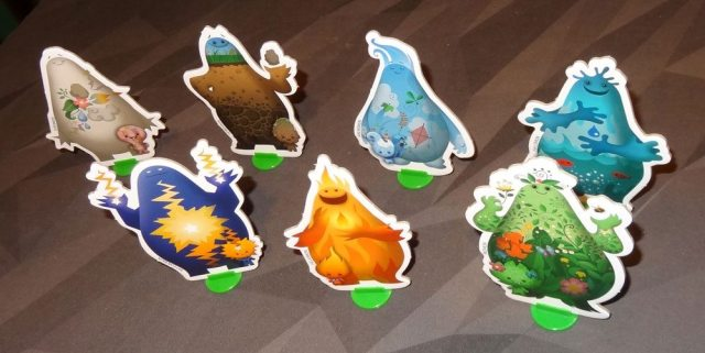 Gigamons standees