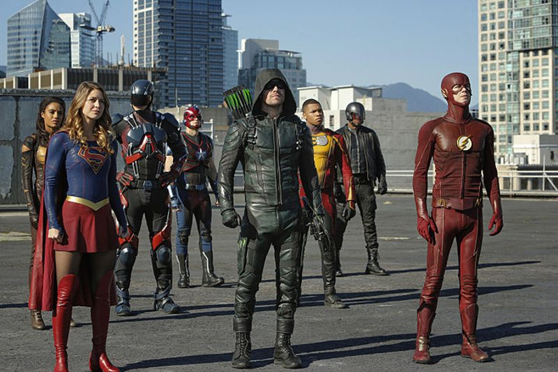 """DC's Legends of Tomorrow --""""Invasion!""""-- Image LGN207a_0021.jpg -- Pictured (L-R): Maisie Richardson- Sellers as Amaya Jiwe/Vixen, Melissa Benoist as Kara/Supergirl, Brandon Routh as Ray Palmer/Atom, Nick Zano as Nate Heywood/Steel, Stephen Amell as Green Arrow, Franz Drameh as Jefferson """"Jax"""" Jackson, David Ramsey as John Diggle and Grant Gustin as The Flash -- Photo: Bettina Strauss/The CW -- © 2016 The CW Network, LLC. All Rights Reserved."""