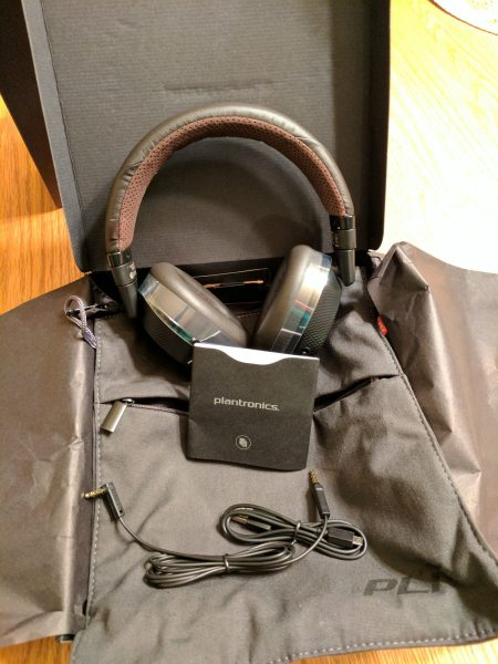 Plantronics BackBeat Pro 2 Package Contents