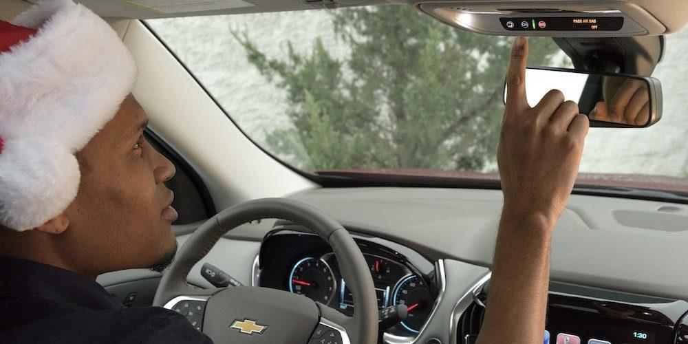 Chevrolet-Onstar-Santa
