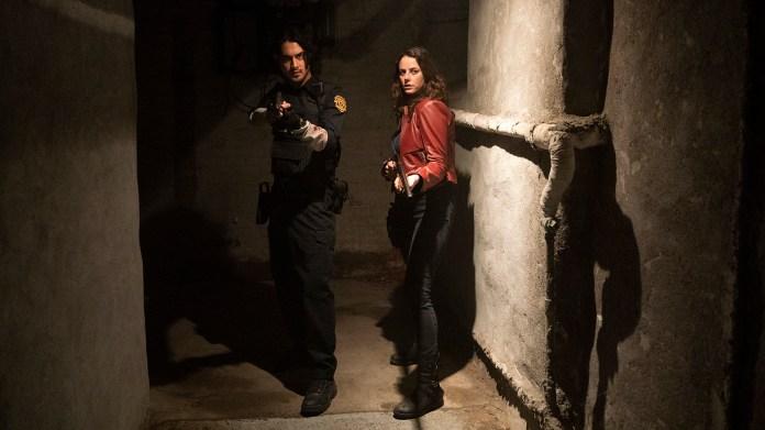 Avan Jogia (Leon) και Kaya Scodelario (Claire) στο Resident Evil: Welcome to Raccoon City