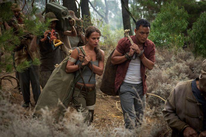 Alicia Vikander και Daniel Wu (Lu Ren) στο Tomb Raider