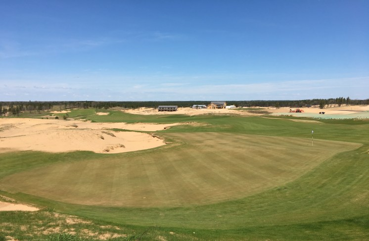 SandValley18-GreenBehind