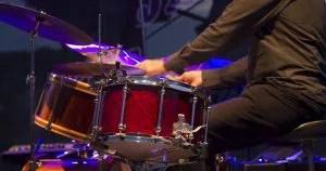 drummer-playing-kit