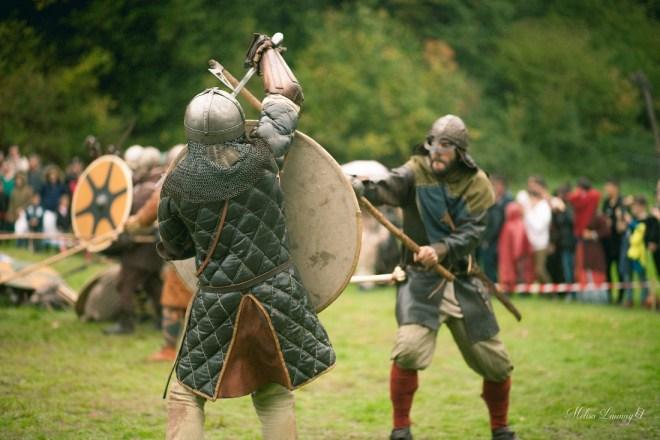 "Bild: <a href=""https://www.flickr.com/photos/151072996@N08/37401108716/"">""Fête médiévale « Des Vikings à Rieux ! »""</a> von <a href=""https://www.flickr.com/photos/151072996@N08/"">""melisa launay""</a> (<a href=""https://www.flickr.com/photos/151072996@N08/"">https://www.flickr.com/photos/151072996@N08/</a>) (CC BY-ND 2.0) - Divinity: Dragon Commander und moderne Konzepte im Fantasy"