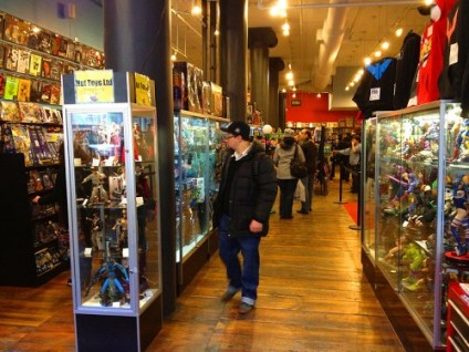 forbidden_planet_new_york_nyc_ny_broadway_store-500x375
