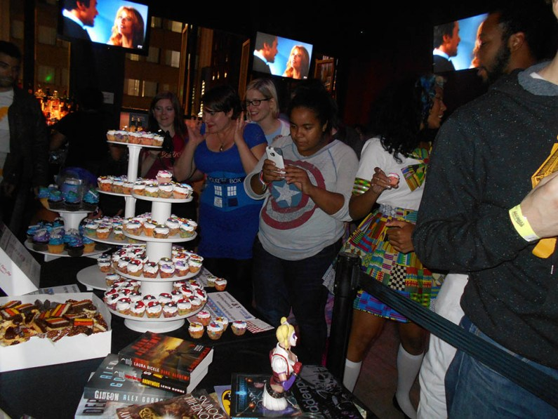geek-girl-brunch-nycc-2015-fan-girls-night-out-2-anna-artusos-dessert-pokeball-pokemon-cupcake-2